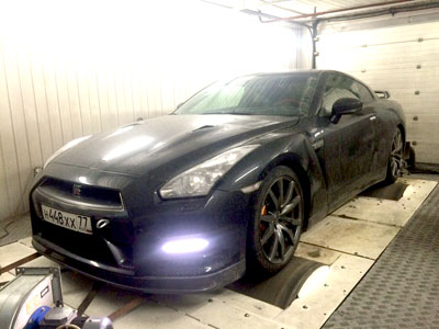 GT-R R35 Black Restla 700hp Stage 3
